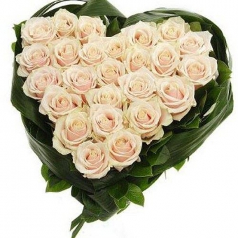 Сердца из цветов