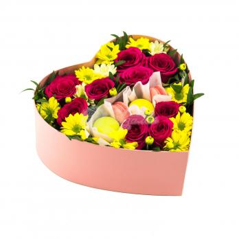 Сердце с розами и печеньками