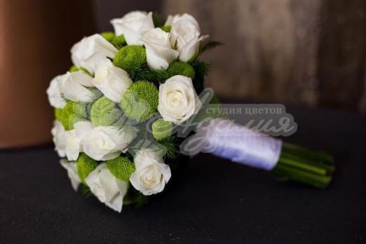 Букет из розы кения 21 шт, хризантемы кустовой 4 шт, аспарагуса исумма