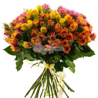 Букет из 33 кустовой розы