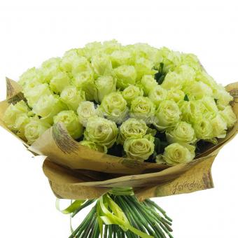 Букет из 101 белой розы в упаковке